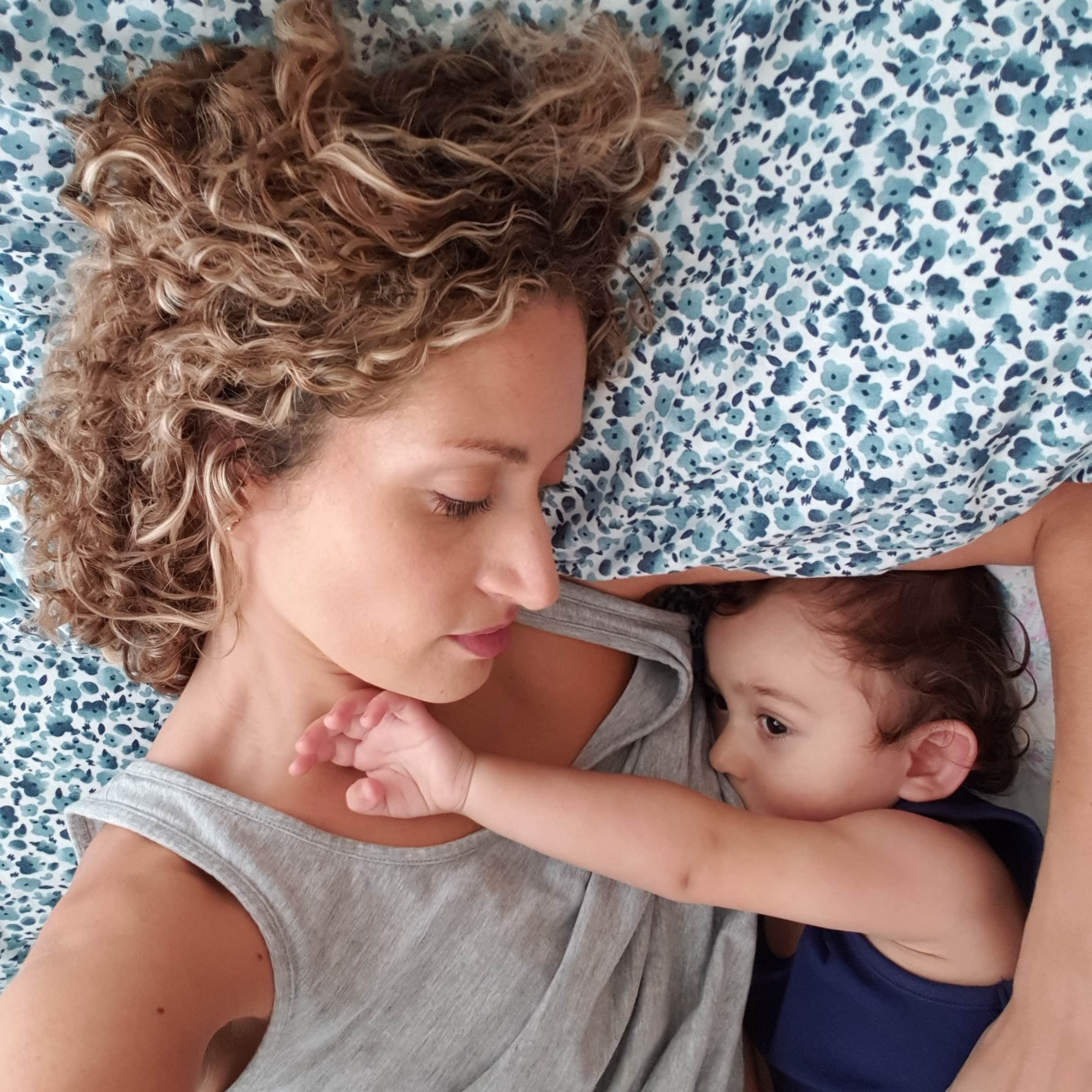 breastfeeding was such a lovely bonding experience - themamadaze.com